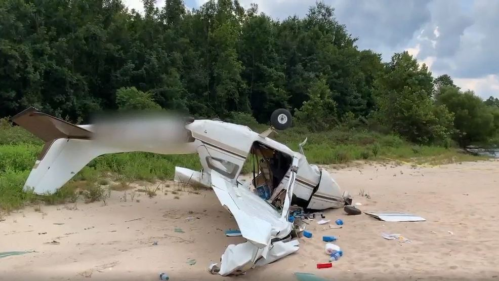 Pilot airlifted to hospital following plane crash in Jay | WEAR
