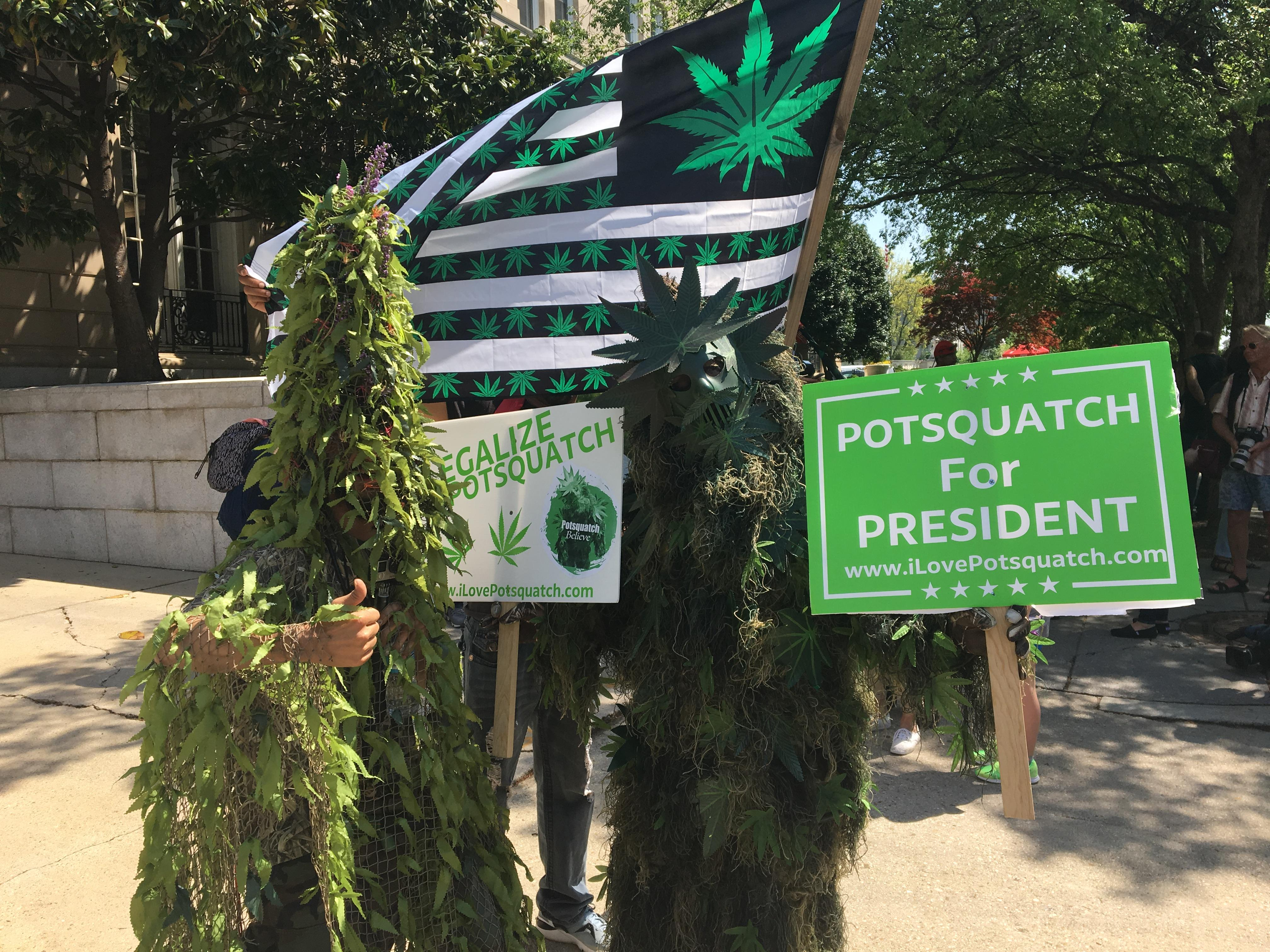 Pro-pot activists arrested for handing out free joints on Capitol Hill on 4/20 . (Megan Yoder/ ABC7)