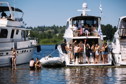 Photos: Thousands come out for Seattle Yacht Club's Opening