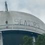 Deputies: Whoever painted 'SENIORS' on Jasper Co. water tower should turn self in