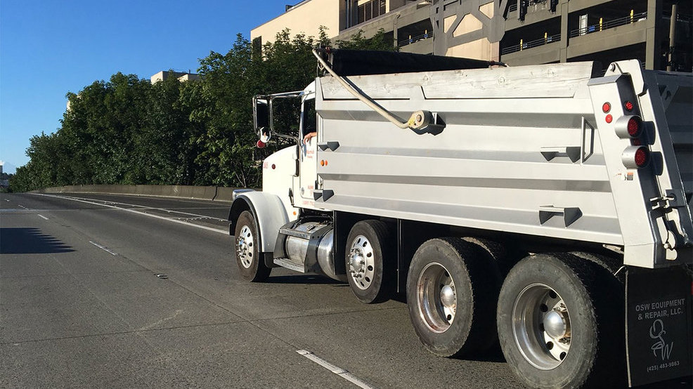 pedestrian killed Seattle I-5 dumptruck KOMO.jpg