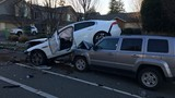 1 dead, 1 under arrest in 3-vehicle crash in Lynnwood