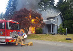 180601_pio_federal_way_apt_fire_02_1280.jpg