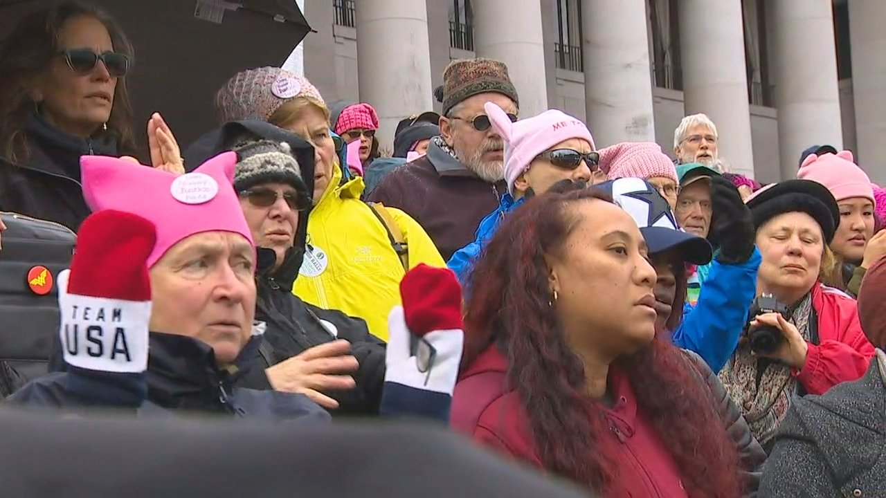 Several thousand people rallied at the State Capitol in Olympia. (Photo: KOMO News)