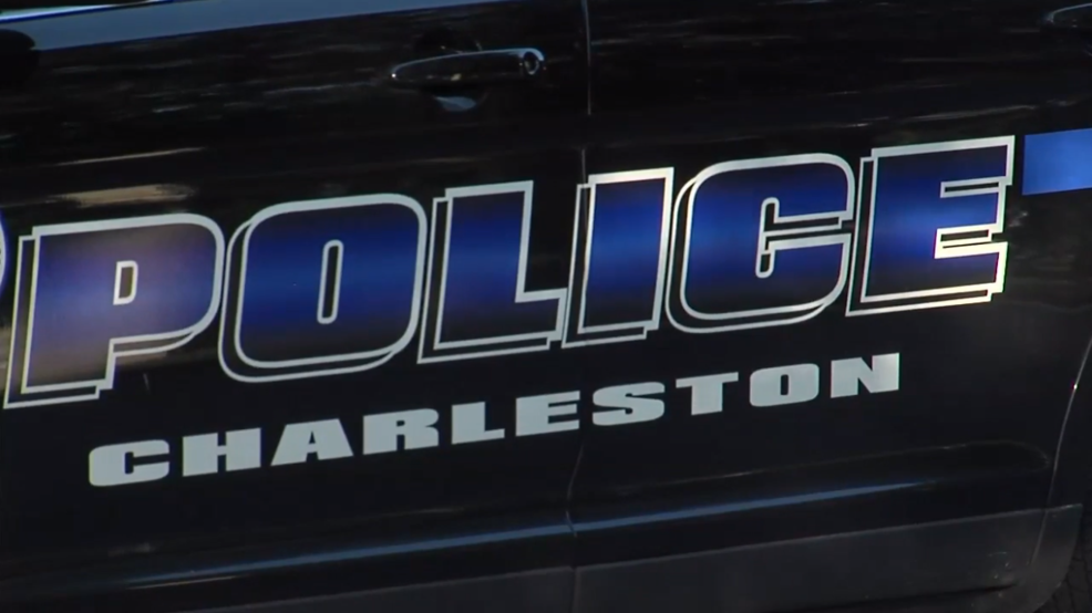 Charleston Police searching for suspect in Best Western armed robbery in West Ashley