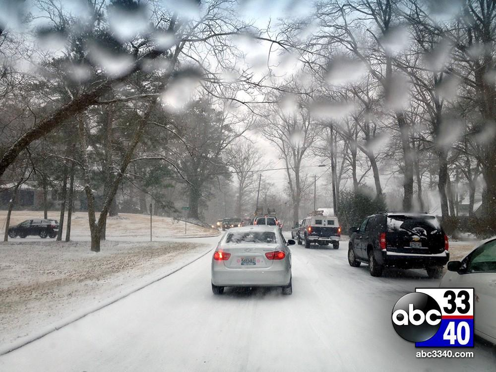 Traffic stalled on Montevallo Road in Mountain Brook, Ala. during a winter storm, Tuesday, January 28, 2014.