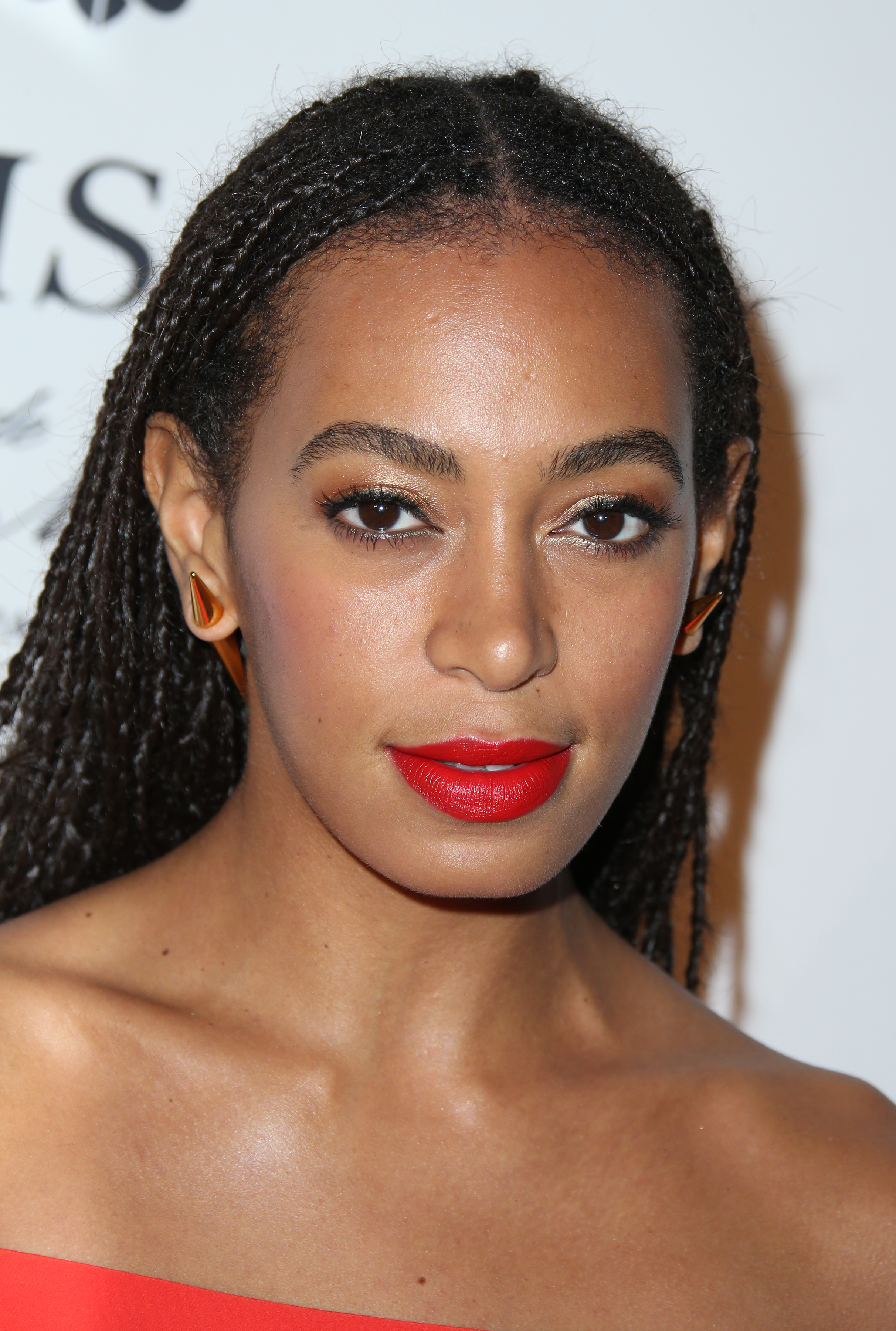 Uk Paper Sorry For Airbrushing Out Solange Knowles S