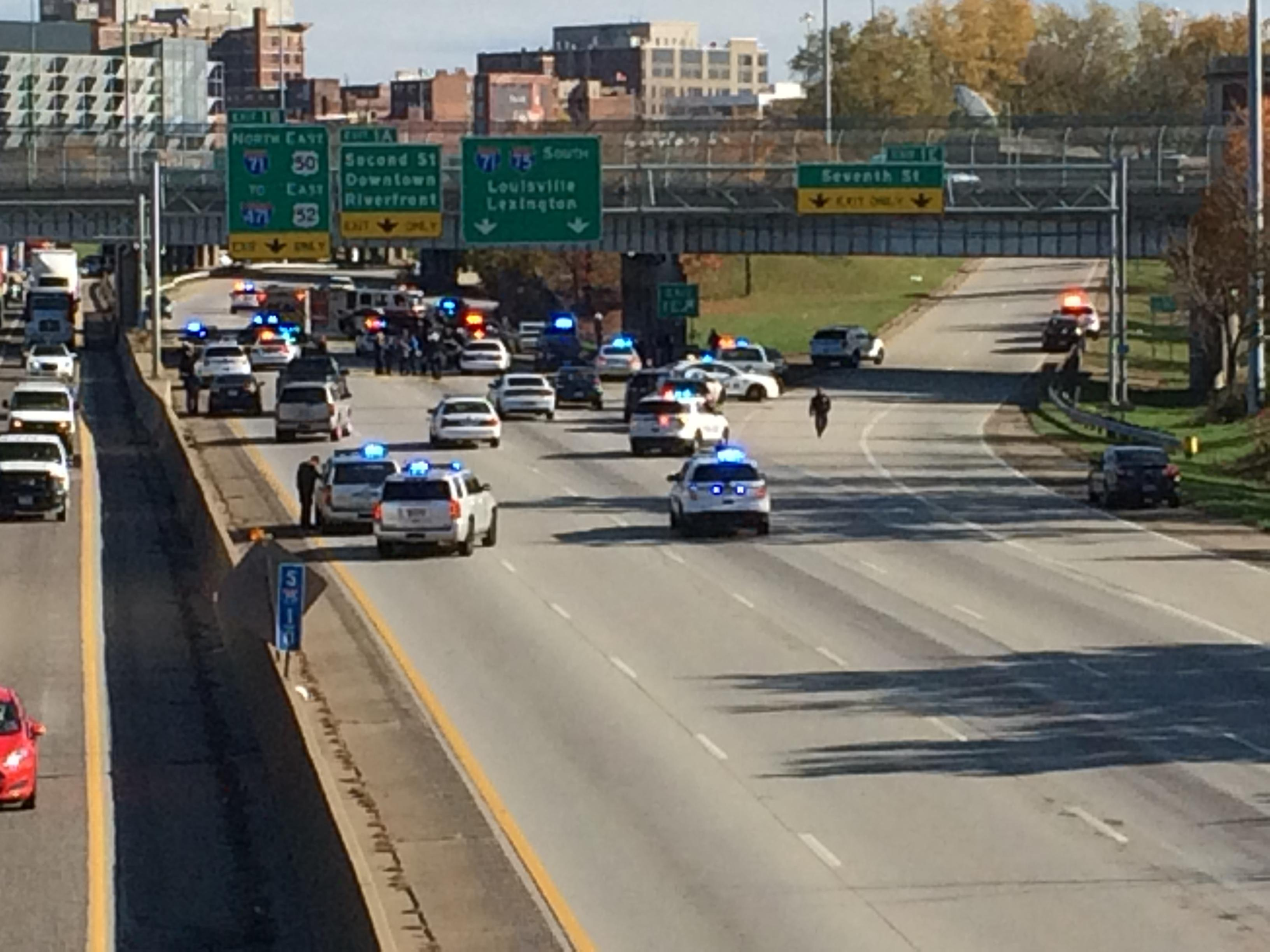 Police chase of Ronald Foster ends with a crash that shut down I-75 southbound (WKRC)