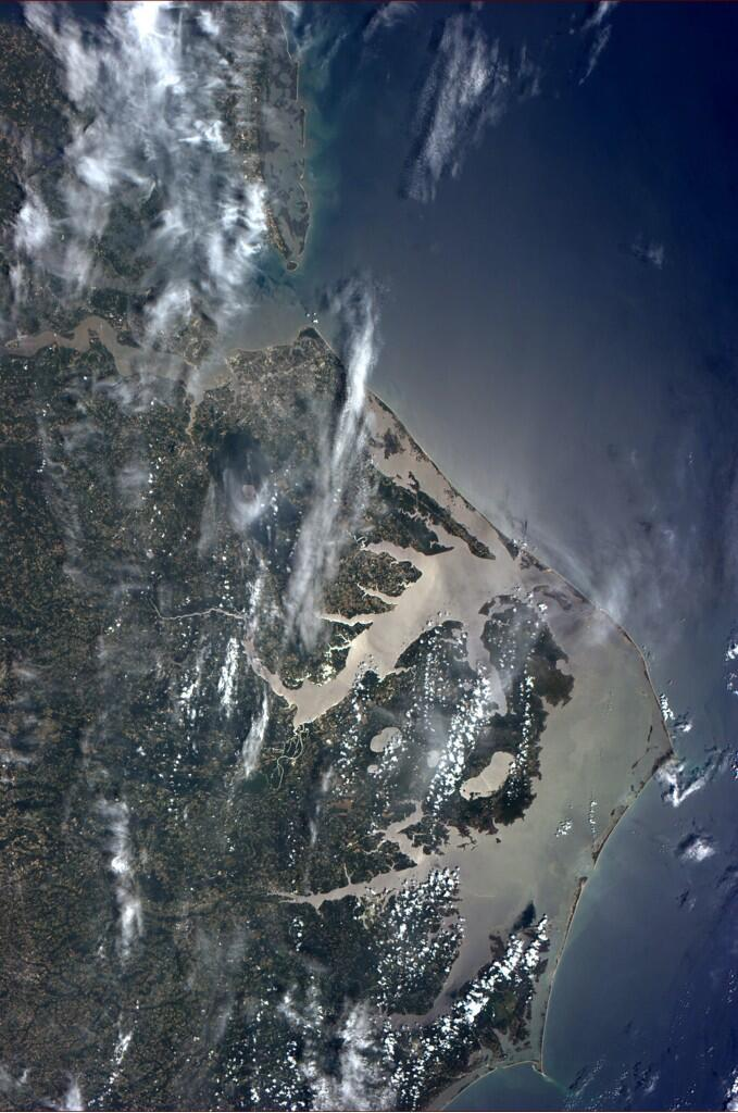 It is always great to look down on the mid-atlantic, where I spent most of my life. (Photo & Caption: Reid Wiseman, NASA)