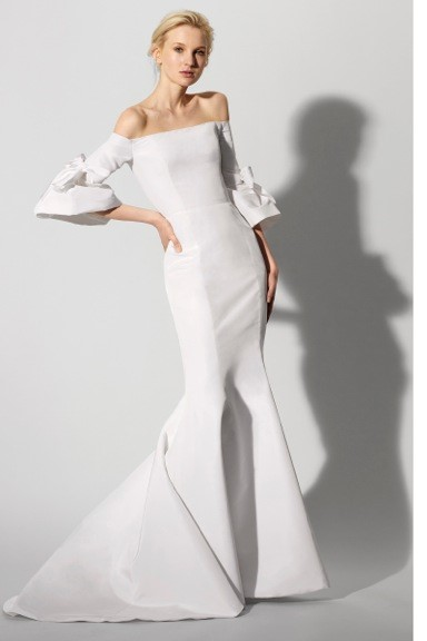 TREND #4: Off the Shoulder/Cold Shoulder(Carolina Herrera)