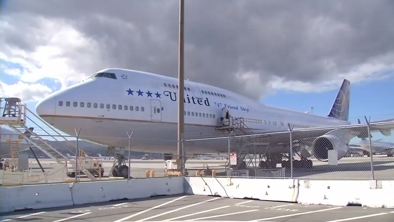 United Airlines flew a  747 into retirement Tuesday from San Francisco to Hawaii.