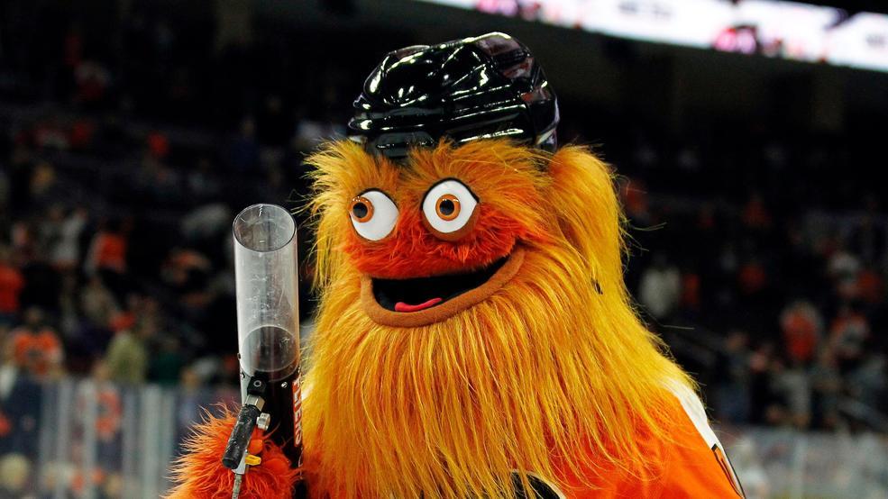 philadelphia flyers mascot gritty surprises wedding party klew