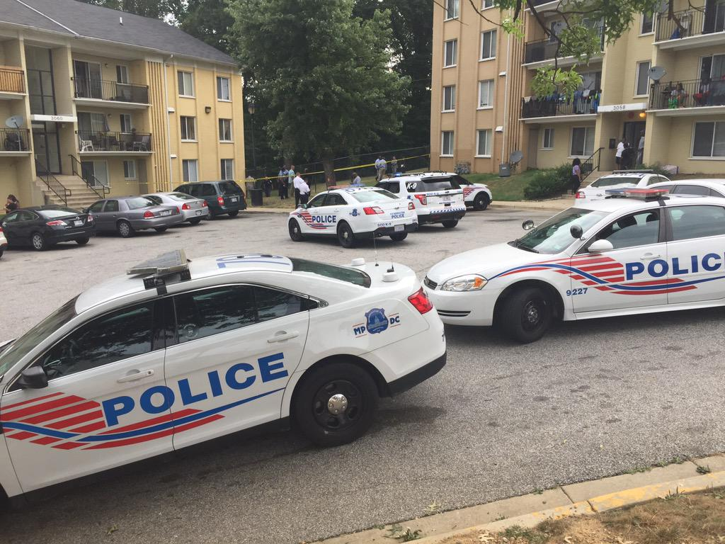 d c police identify man found dead behind southeast apartment wjla d c police on scene at a suspicious death investigation john gonzalez wjla