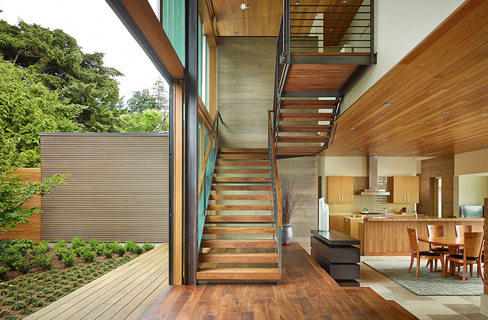 We wouldn't mind climbing stairs if they were these Pacific Northwest ones! Thanks Porch for these drool-worthy staircases from around the area.