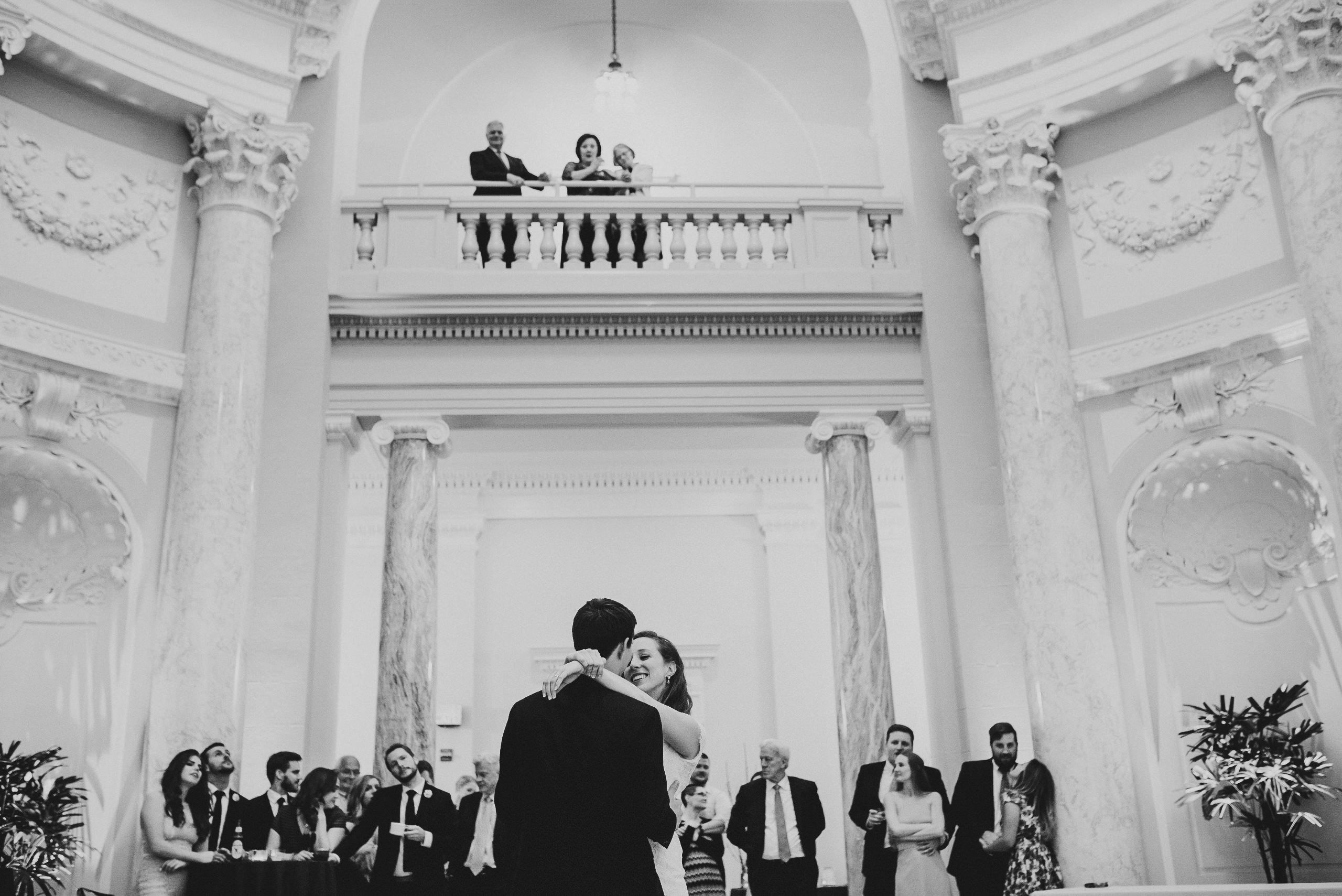 The wedding of John and Elizabeth // Location: Ceremony - Washington D.C. War Memorial. Reception - Carnegie Institute for Science // Photographer: Mantas Kubilinskas // (Photo credit: Mantas Kubilinskas/ www.mantasphoto.com)