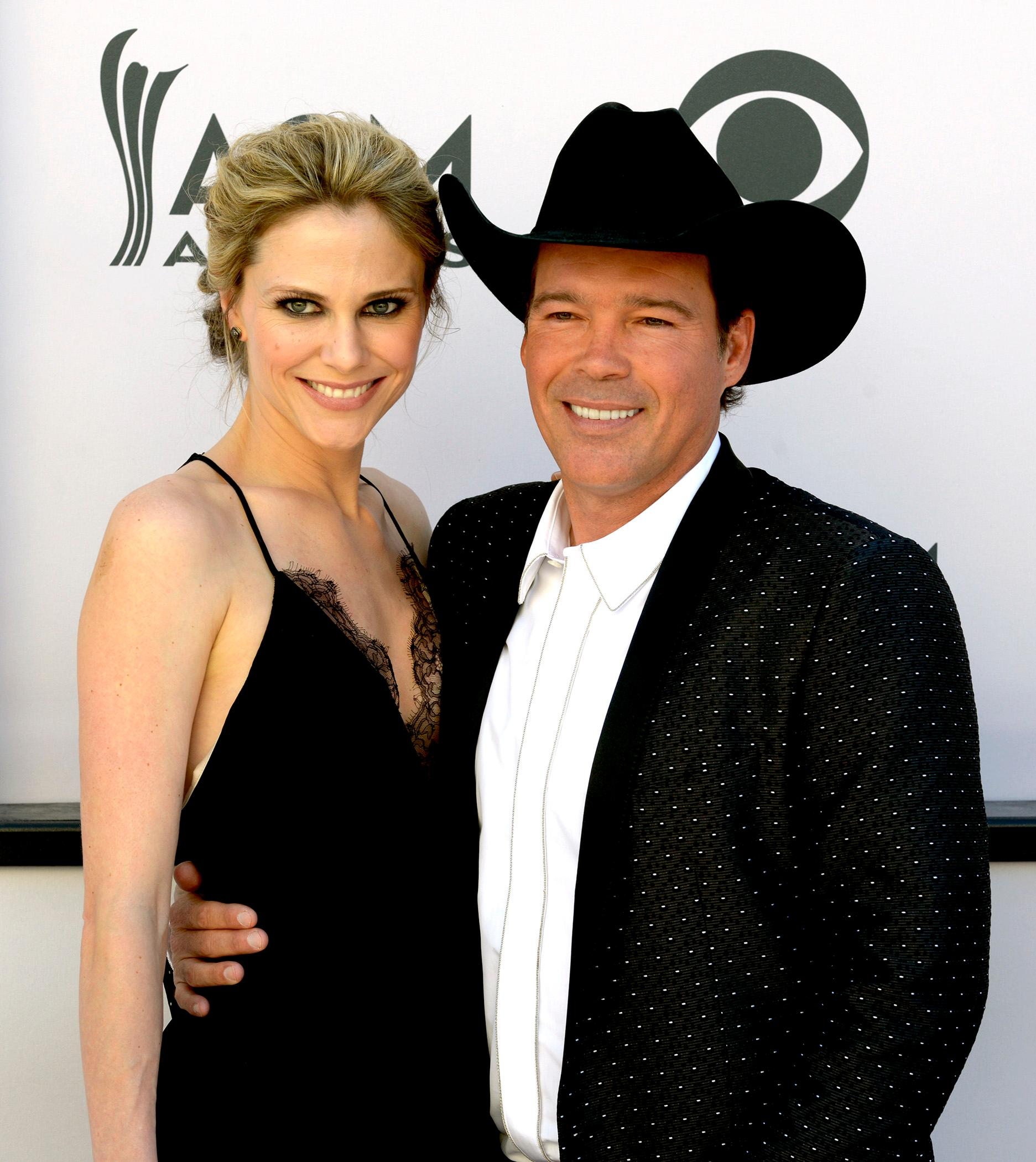 Clay Walker and rodeo queen wife Lori Jane Lampson walk the Academy of Country Music Awards red carpet at T-Mobile Arena. Sunday, April 2, 2017. (Glenn Pinkerton/ Las Vegas News Bureau)