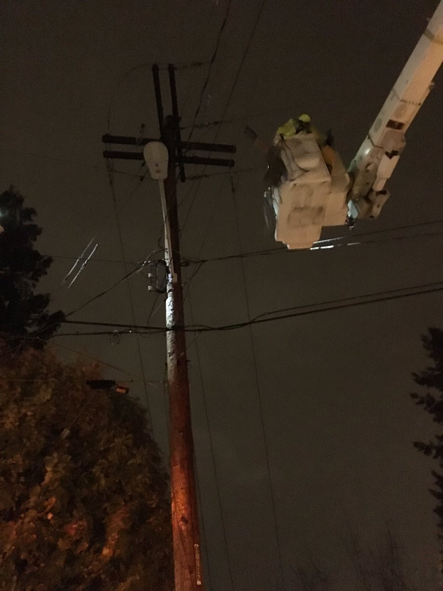 Seattle City Light crews work to restore power to customers after Wednesday's wind storm. (Photo: Seattle City Light).