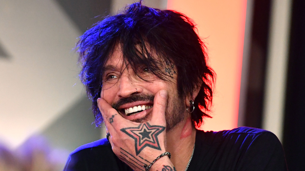 Mötley Crüe drummer Tommy Lee says he'll leave the country if Trump is reelected