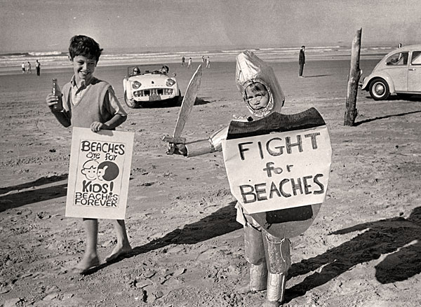 """Mini-Marchers"" on the beach at a Cannon Beach to show support for Measure 6 in 1968. The event drew more than 200 supporters. (Courtesy Oregon Historical Society)"