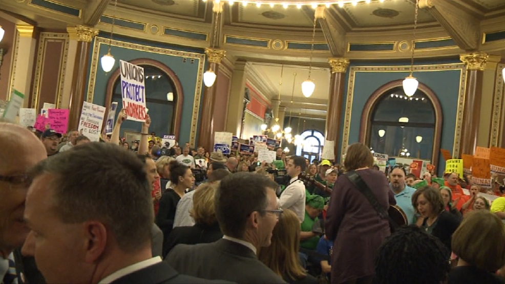 Packed Statehouse0.jpg