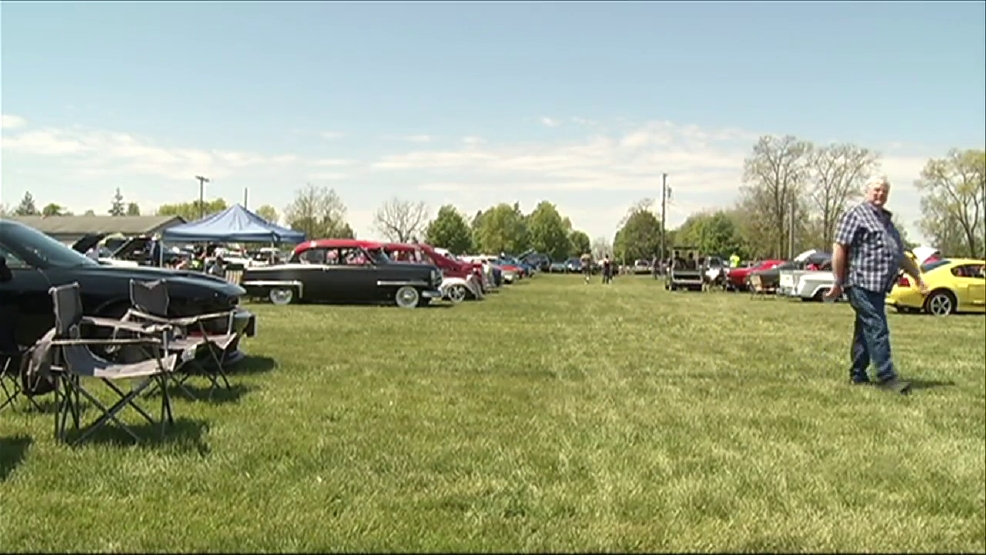 Drivers Car Enthusiasts Cruise Through West Michigan For
