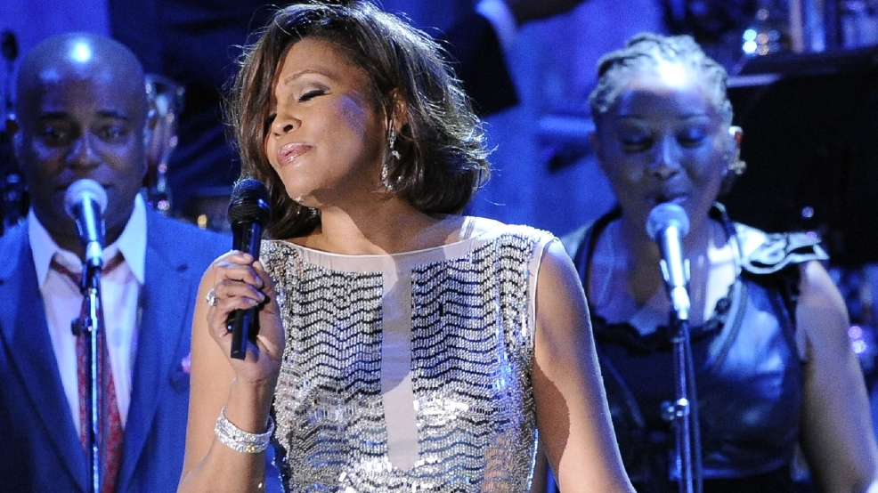 Auction of Whitney Houston memorabilia earns $500,000