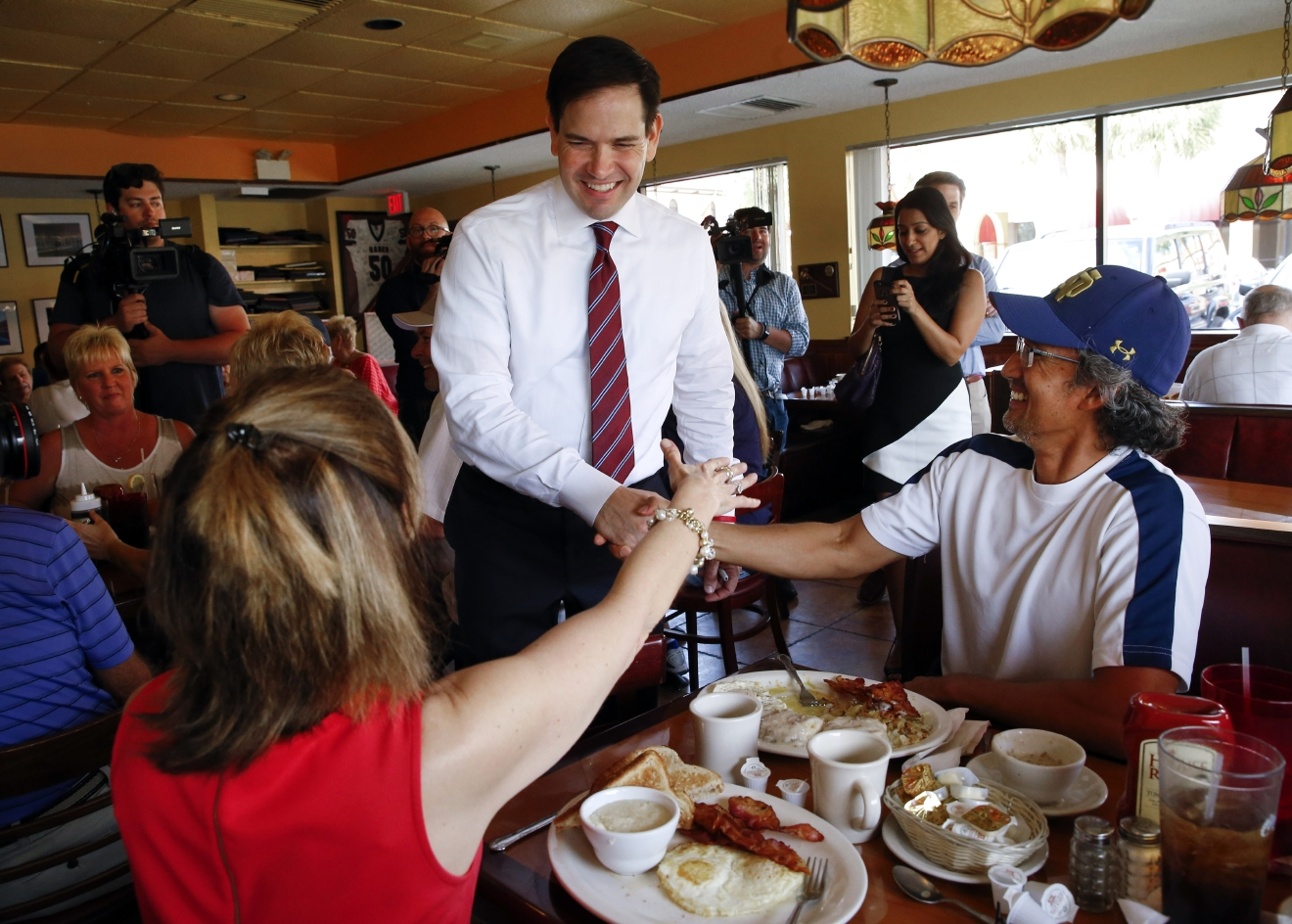 Republican presidential candidate, Sen. Marco Rubio, R-Fla., visits Tiffany's Family Restaurant in Palm Harbor, Fla., Saturday, March 12, 2016. (AP Photo/Paul Sancya)