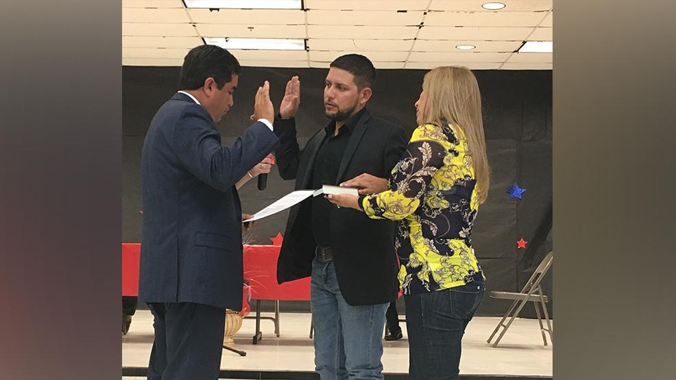 Hidalgo County District Attorney Ricardo Rodriguez administered the oath of office to Mayor Leo Garcia.