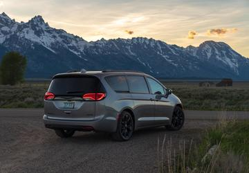 Minivans vs. SUVs: What vehicle should growing families choose?