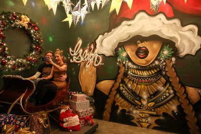 Dc Christmas Pop Up Bar.Give Thanks The Christmas Pop Up Bar Is Back And Better