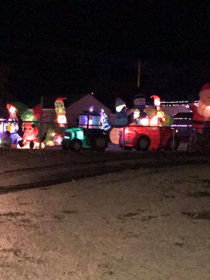 CULBERTSON - &quot;My dad lights up the neighborhood worth seeing!!!&quot; (Christina McDonald)<p></p>