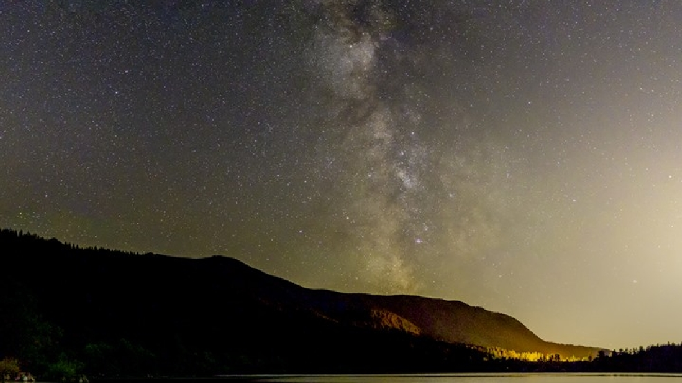 Watch: Time lapse video of meteors, Milky Way