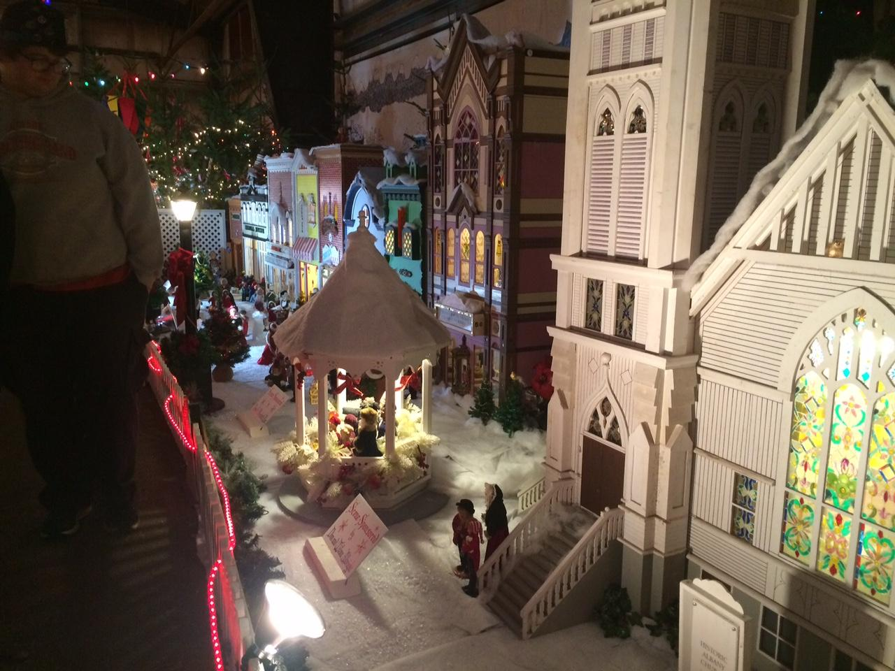 Christmas Storybook Land celebrates 39 years | KMTR