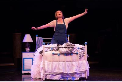 Heather Beck as Donna Sheridan in MAMMA MIA! at Toby's Dinner Theatre{ }(Image: Jeri Tidwell)