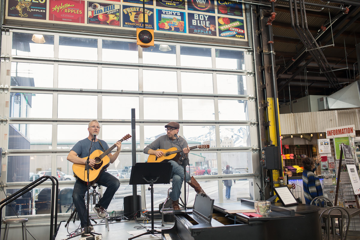 Live music at Pybus Market (Image: Paola Thomas / Seattle Refined)