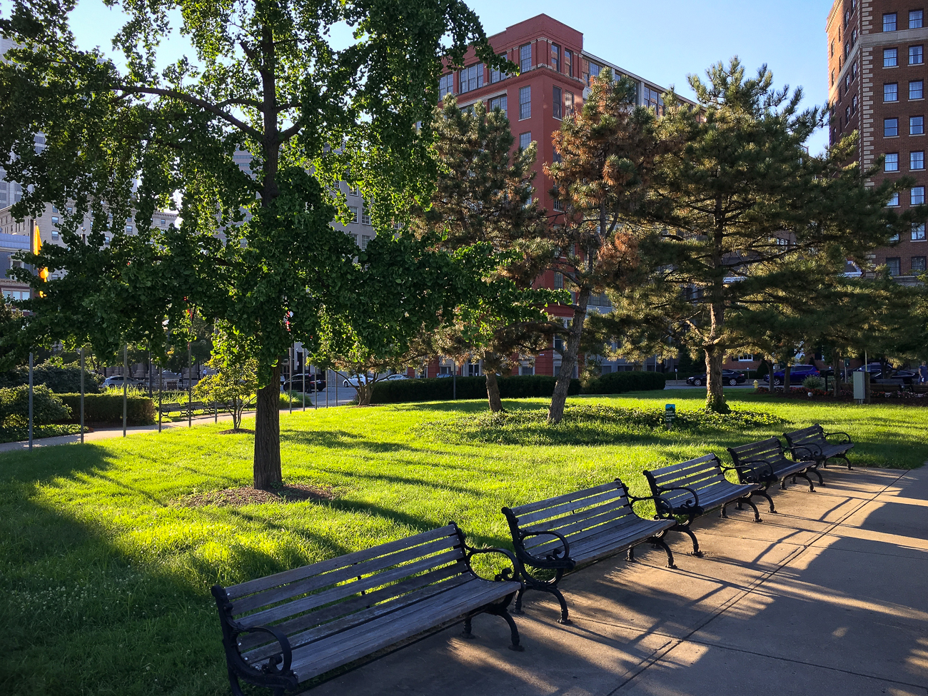 4th Street has a park: Lytle Park / ADDRESS: corner of Ludlow and 4th Street / Image: Phil Armstrong, Cincinnati Refined // Published: 4.23.18