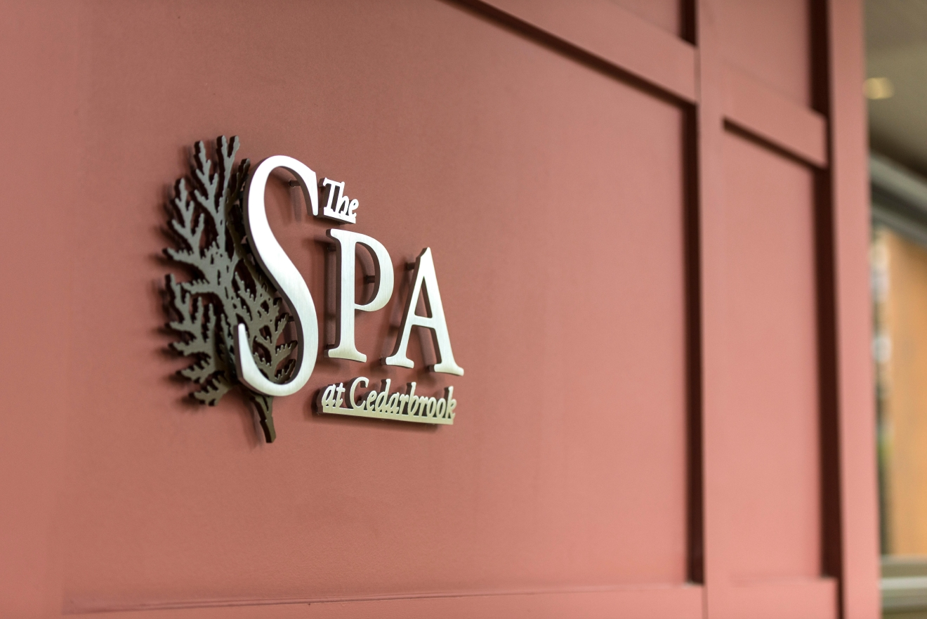 Located just south of the airport, the Seatac spa offers a slew of options for holiday-inclined guests just looking for a little break from the action. Their Spice of the Season spa menu pulls from the familiar tastes and smells of December. (Image: Cedarbrook Lodge)
