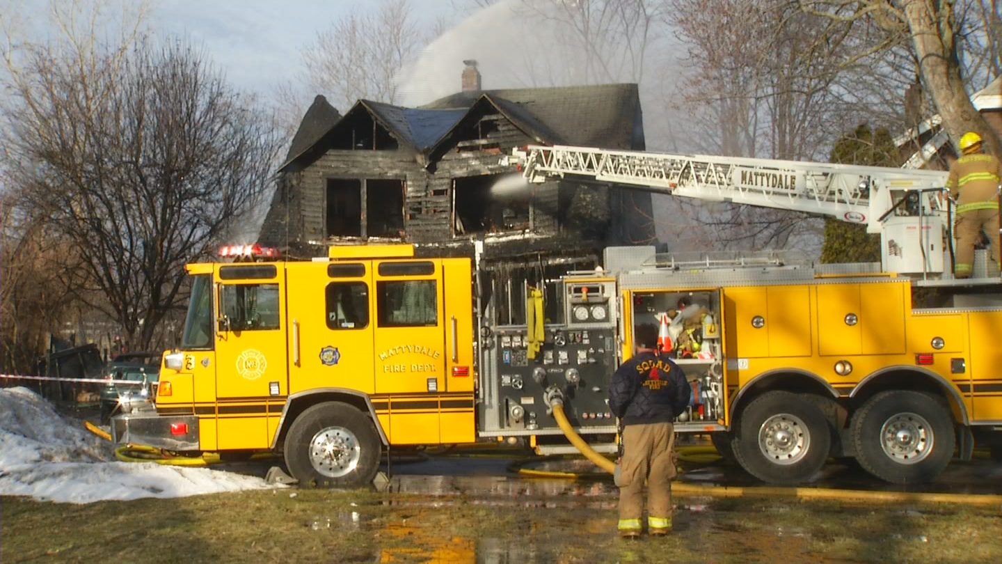 The Onondaga County Sheriff's Office says a 27-year-old man who lived at the home saw the fire, called 911 and alerted the other people inside to get out.{ }