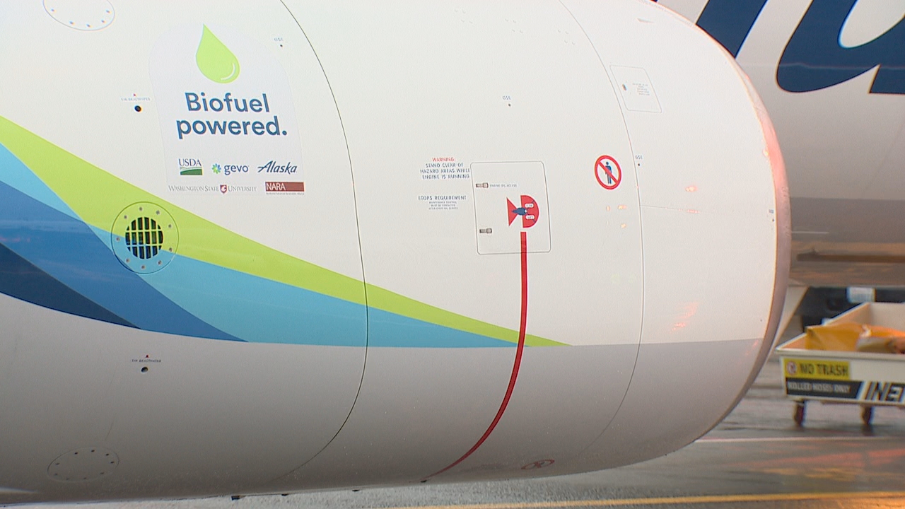 An Alaska Airlines Boeing 737 became the first commercial flight to be powered on a biofuel blend made from forest residuals. The flight on Monday, Nov. 14, 2016 flew from Sea-Tac Airport to Reagan National Airport in Washington, D.C. (Photo: KOMO News)