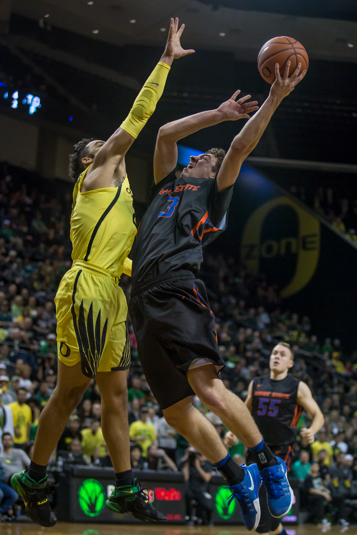 Boise State guard Justinian Jessup (#3) tries to shoot a ball over Oregon forward Dillon Brooks (#24). After trailing for most of the game, the Oregon Ducks defeated the Boise State Broncos 68-63. Photo by Dillon Vibes