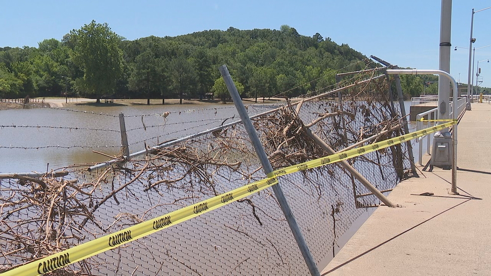 Toad Suck area begins cleanup after Arkansas River flood