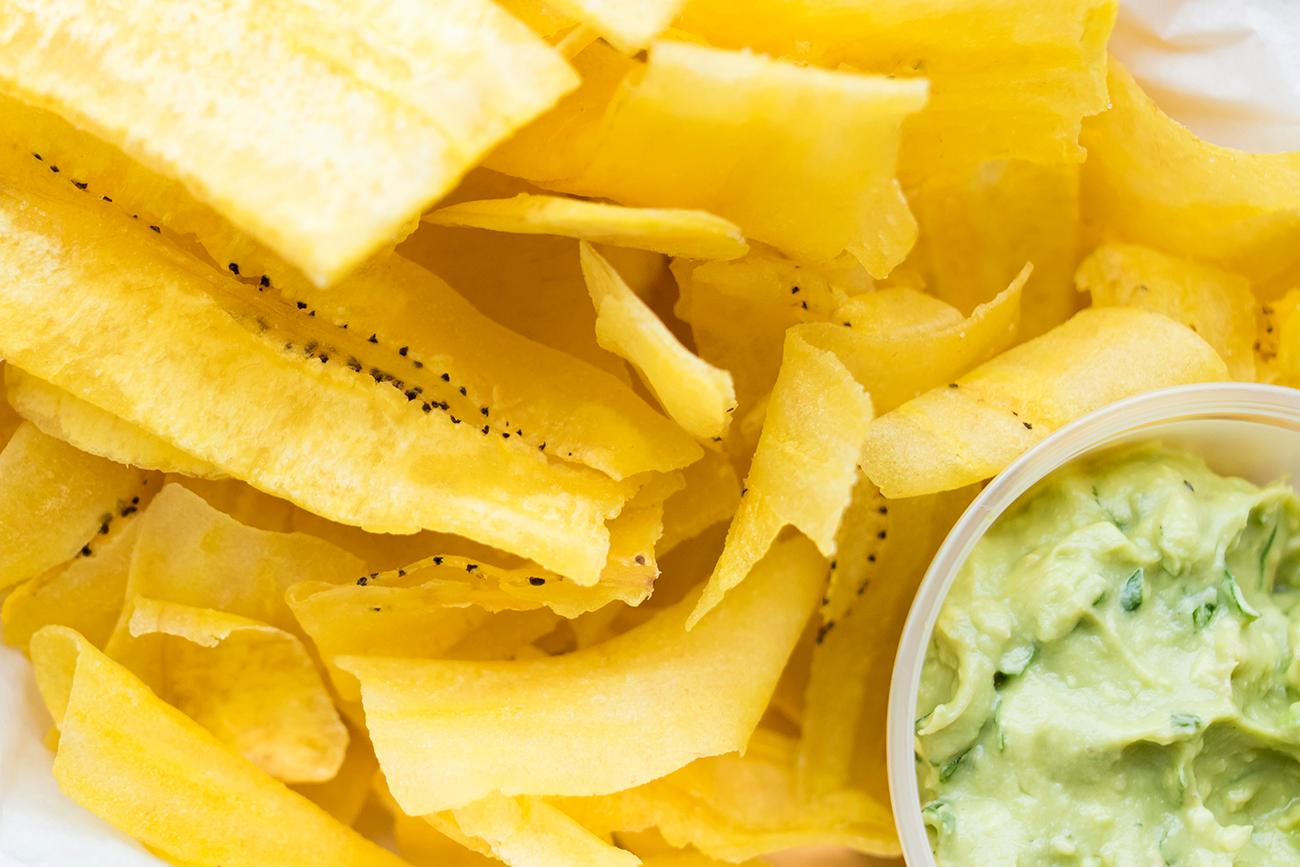 Plantain chips with guacamole / Image: Allison McAdams // Published: 3.4.19