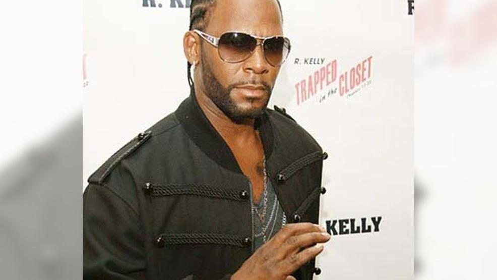 R. Kelly accused by parents of holding their daughters in 'sex cult'
