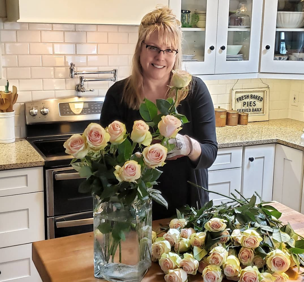 "Kim Robinson is the creative force behind the super popular blog and Instagram account ""Shiplap and Shells."" (Photo: Kim Robinson)<br><p></p>"